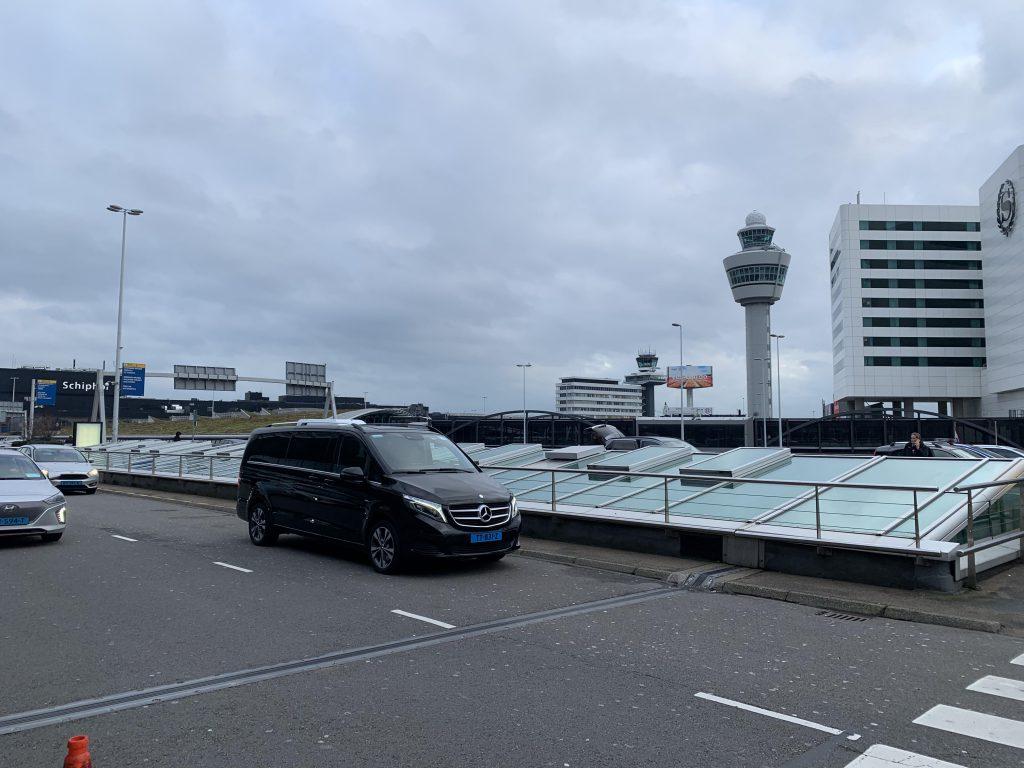 Taxi Schiphol Den Bosch bestellen bij Uluman taxi